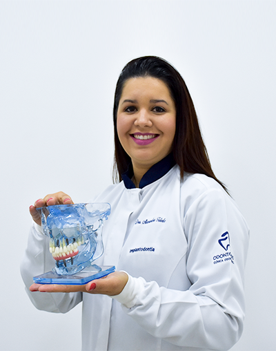 Dra. Alessandra Toledo