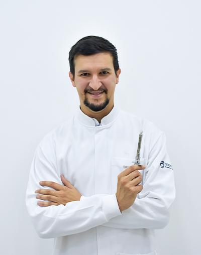 Dr. Carlos Bernal